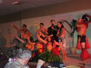 End of Luau, with EVERYONE on stage ...